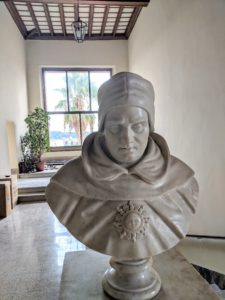 bust of Aquinas